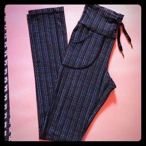 Lululemon drawstring with pockets flare yoga pants